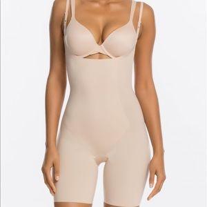 SPANX thinstincts open bust bodysuit nude L-XL